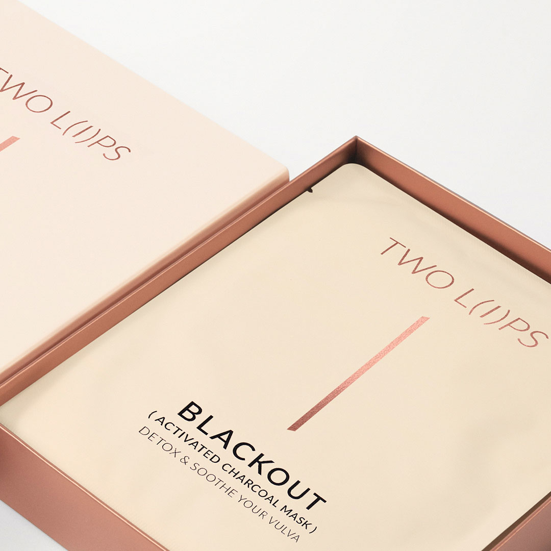 TWO LIPS Blackout Mask